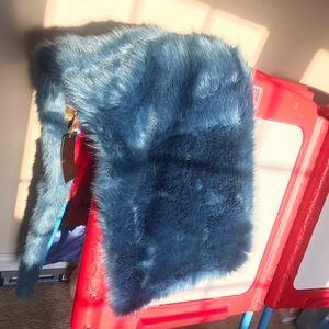 Blue faux fur shawl